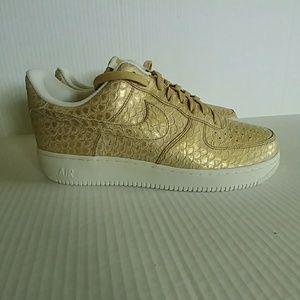 Nike Air Force 1 LV8 Gold Snakeskin Mens Size 12